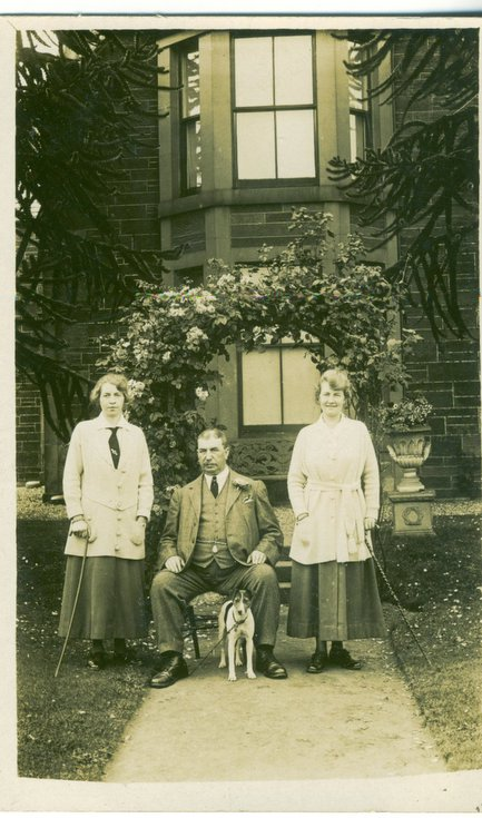 George Sutherland with his daughters Jessie and Charlotte