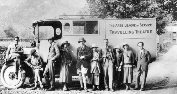 Travelling theatre company