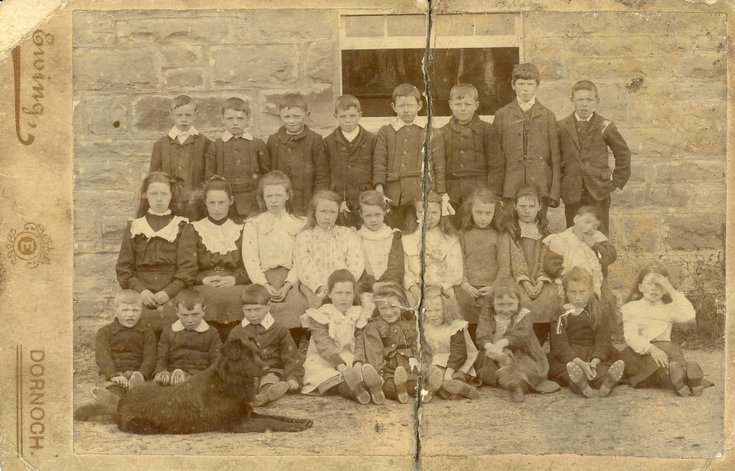 Rearquhar School photograph c 1908