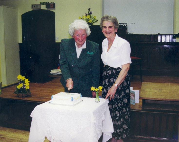 Dornoch SWRI Cutting of the 75th anniversary cake