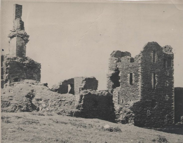Kathleen Lyon photograph collection Powis Castle ruins
