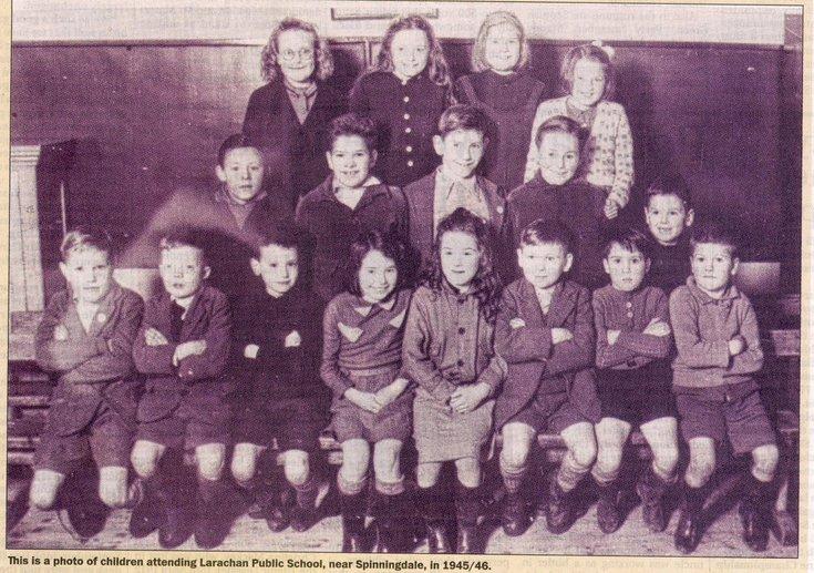 Children attending Larachan School, near Spinningdale 1945/6