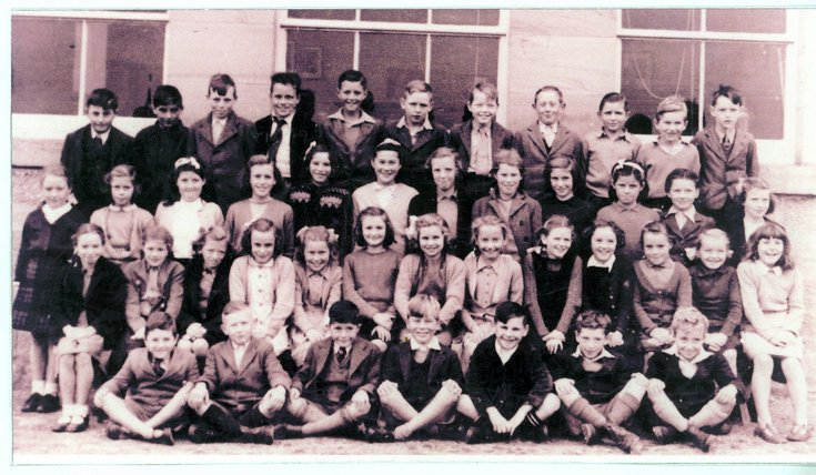 Dornoch Academy pupils group photograph c  1947/48