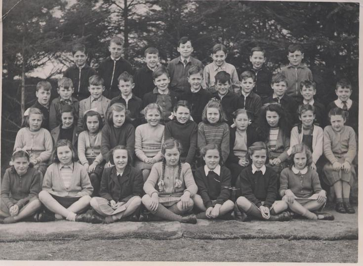 Dornoch Primary School Older Class photograph c 1948