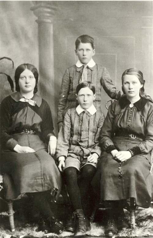 Gunn family, Fourpenny, Dornoch