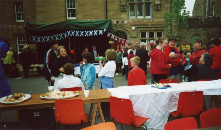 Queen's 50th Jubilee party Dornoch Square