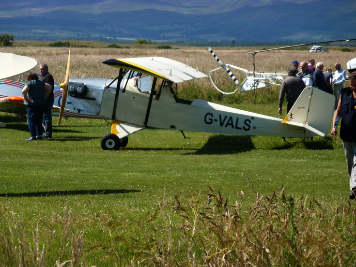 G-VALS at 'Fly In' to Dornoch Airfield 2015