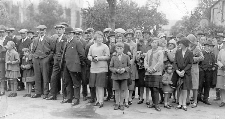 Spectators at 1928 pageant