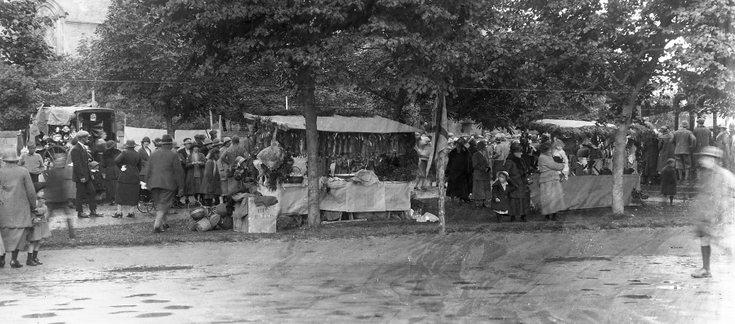 Dornoch open market c 1920