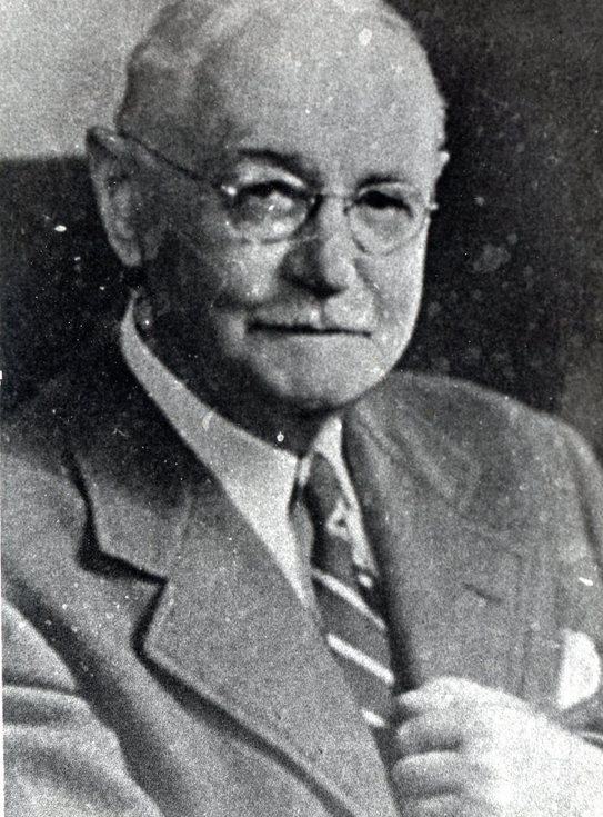 Head and shoulder portrait Donald Ross