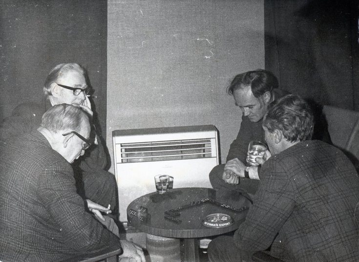 Clubhouse dominoes