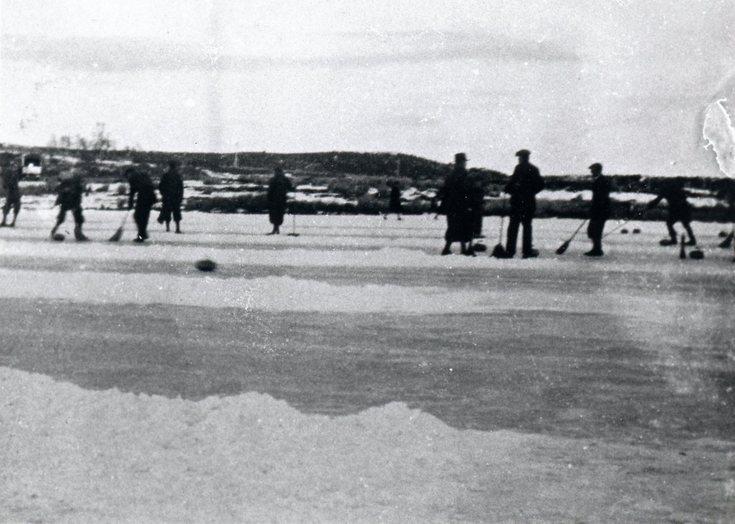 Curling on Loch-an-Treel