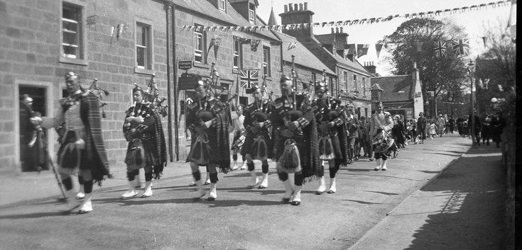 Dornoch Pipe Band in Castle Street
