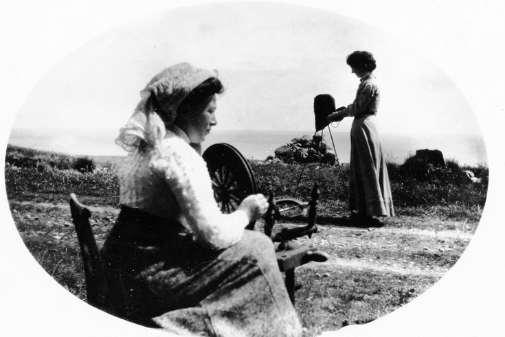 Lady photographer about to photograph a spinner