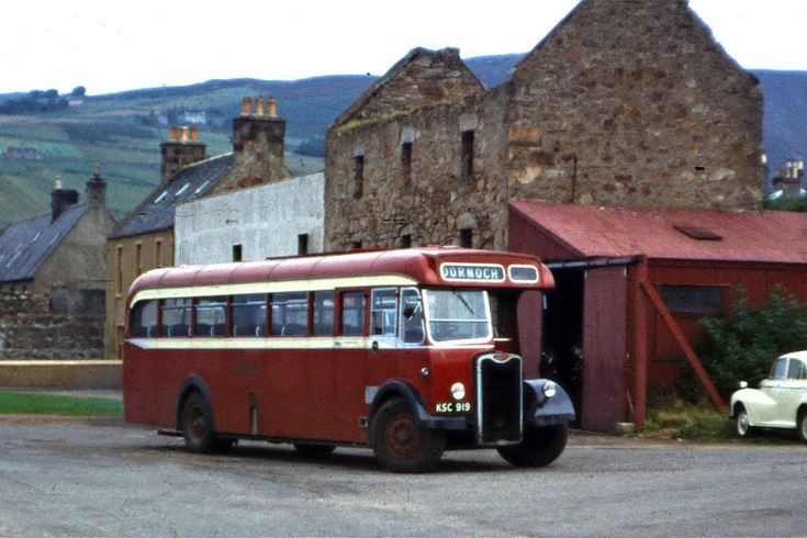 Highland buses registered no KSC 919 at Helmsdale