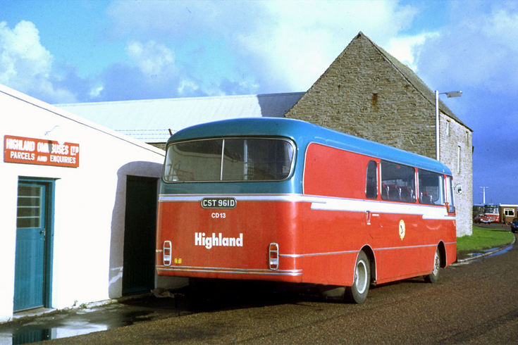 Highland mail bus in Thurso