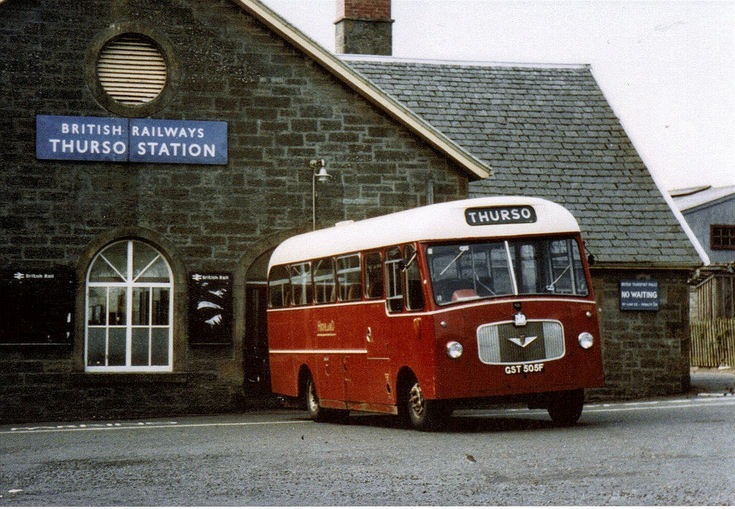 Bus at Thurso Station