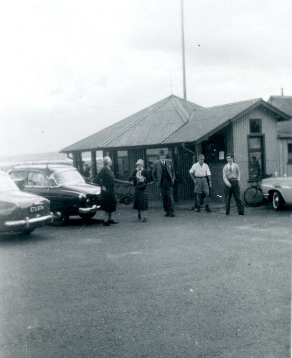 PM Harold MacMillan at RDGC September 1958
