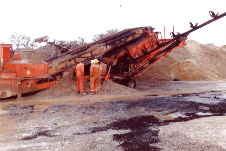 Fire damage to equipment at Pat Munro quarry