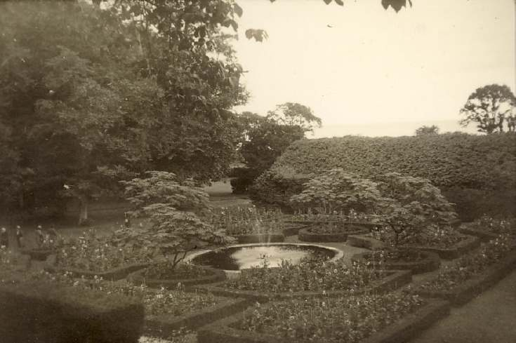 Formal garden - Skibo or Dunrobin