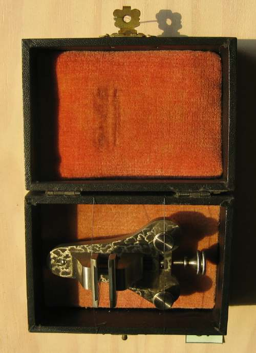 Watchmaker's vice