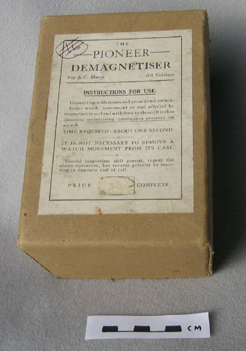 Watchmaker's demagnetiser in box