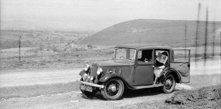 Annie & Tip in 1934 Austin