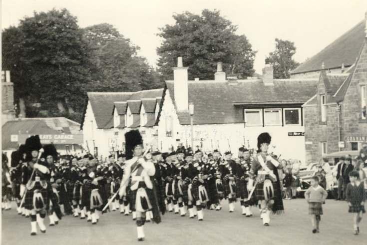 Pipe band parade