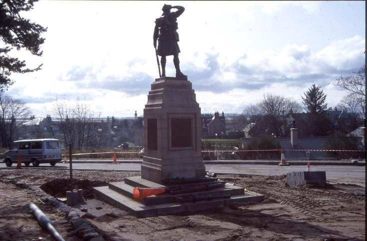 Dornoch war memorial