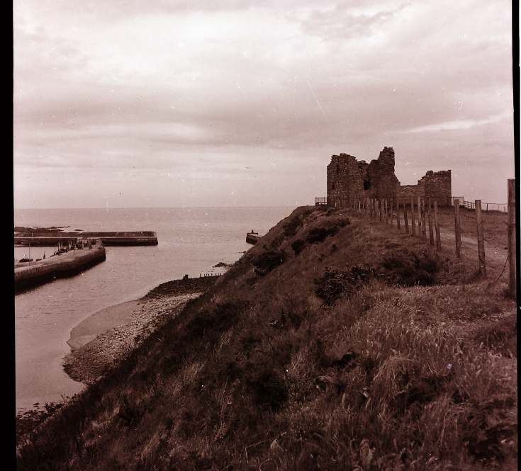 Helmsdale Castle & harbour 1945