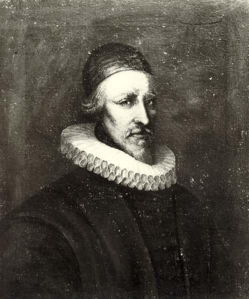 Man in 16th century dress