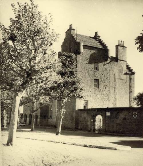 Dornoch Castle
