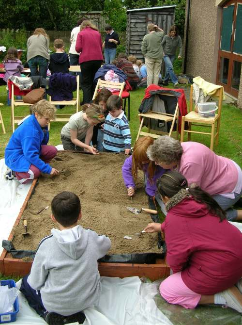 Historylinks ~ Mock Archaeology Dig