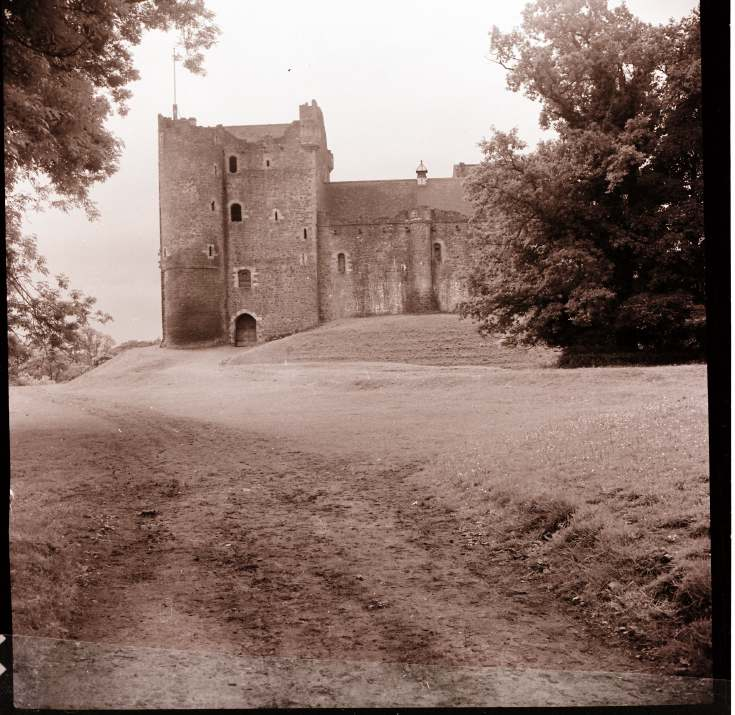 Doune ~ Collection of negatives belonging to Miss K. L. Lyon