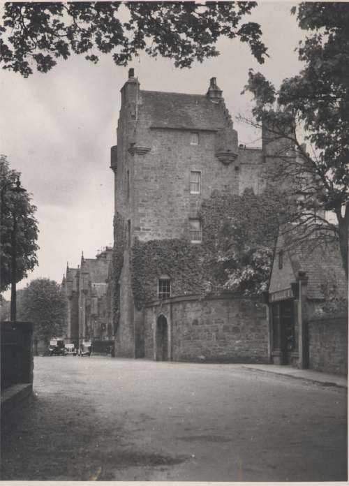The Photography of Kathleen Lyon - Dornoch Castle