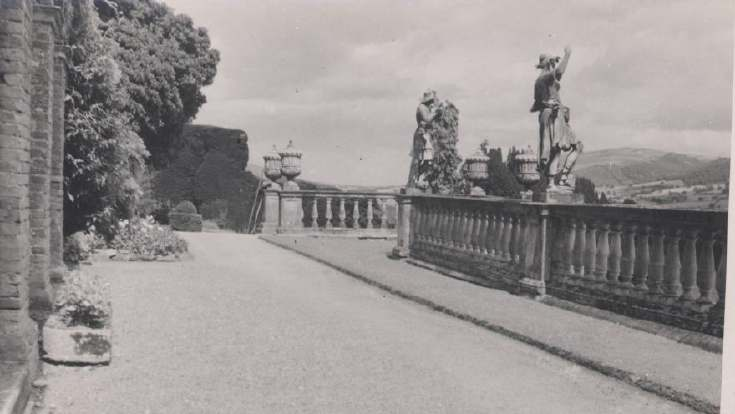 The Photography of Kathleen Lyon - Powis Castle terrace