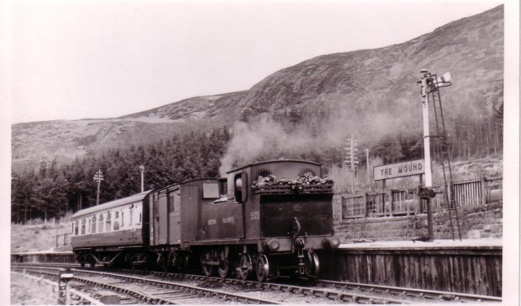Dornoch train at The Mound station