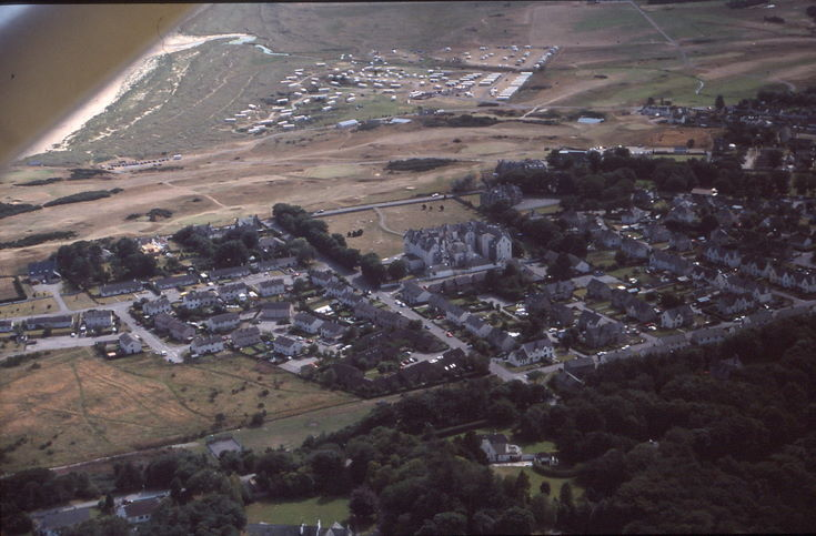 Aerial photograph of Dornoch - Dornoch Hotel and Caravan Park