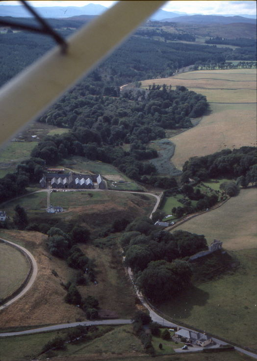 Aerail photograph of Skelbo Castle and Skelbo Farm