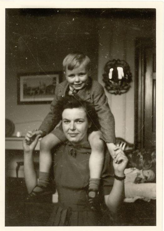 William Thomson of the Gordon family with his nursemaid