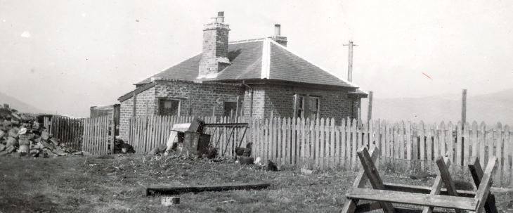Skelbo level crossing gatehouse