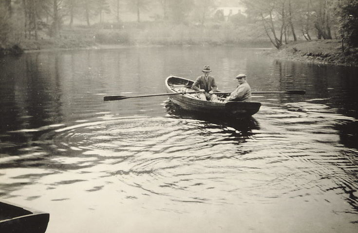 Thomas Hardie and an unidentified man in a boat.