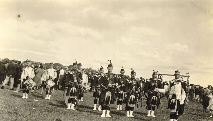 Dornoch Pipe Band c 1950