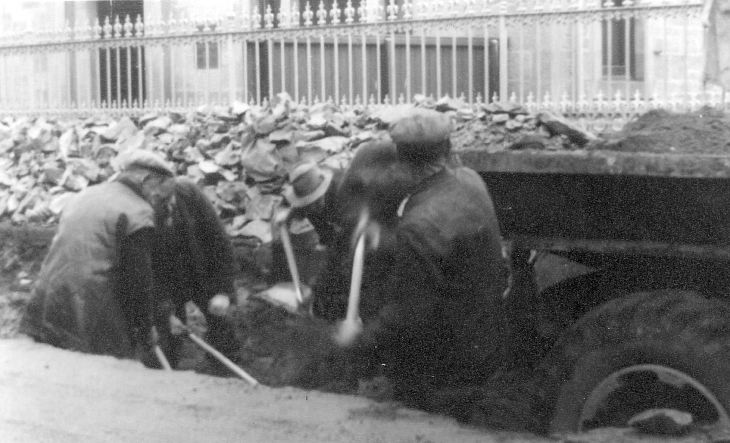 County Roadmen hard at work in Castle Street 1954