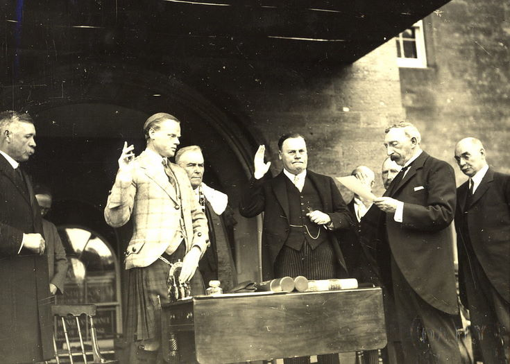 Swearing of oath ceremony Freedom of Burgh 1928