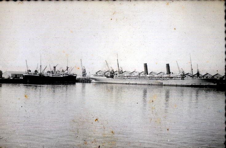 RMS Arundel Castle in Table Bay