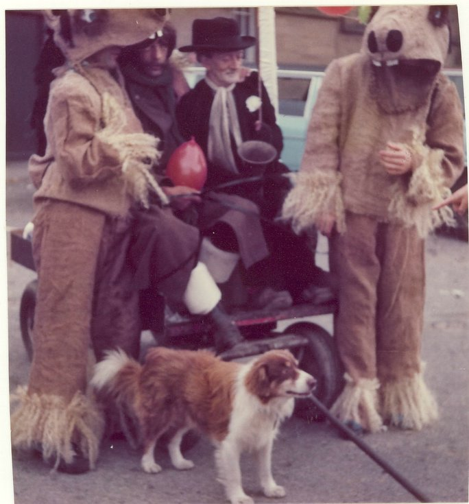 Participants plus dog pram race Dornoch Festival week