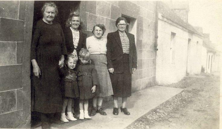 Mackays of Embo family photograph 1950