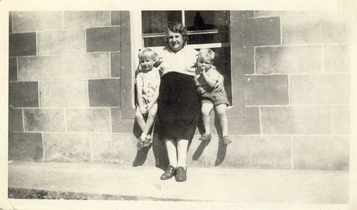 Margaret Button (nee Mackay)  and grandsons at Embo
