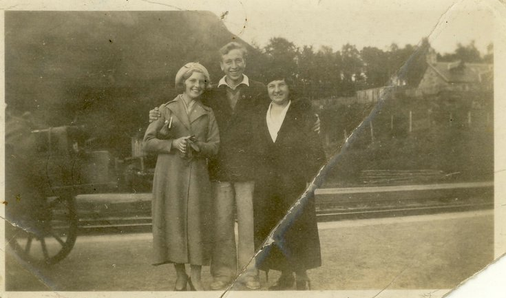 Kenneth Button with sister and mother at Embo station c 1938